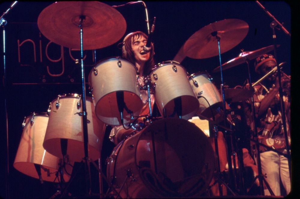 Nigel on stage during Elton's 1974 tour of North America.