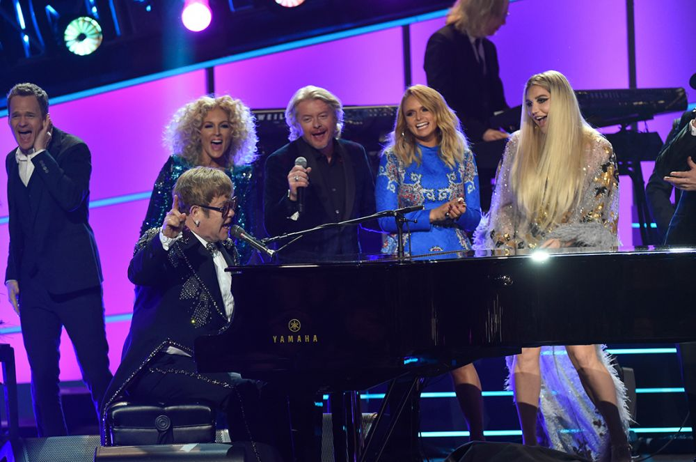 Elton with (l-r): Neil Patrick Harris, members of Little Big Town, Miranda Lambert and Kesha.
