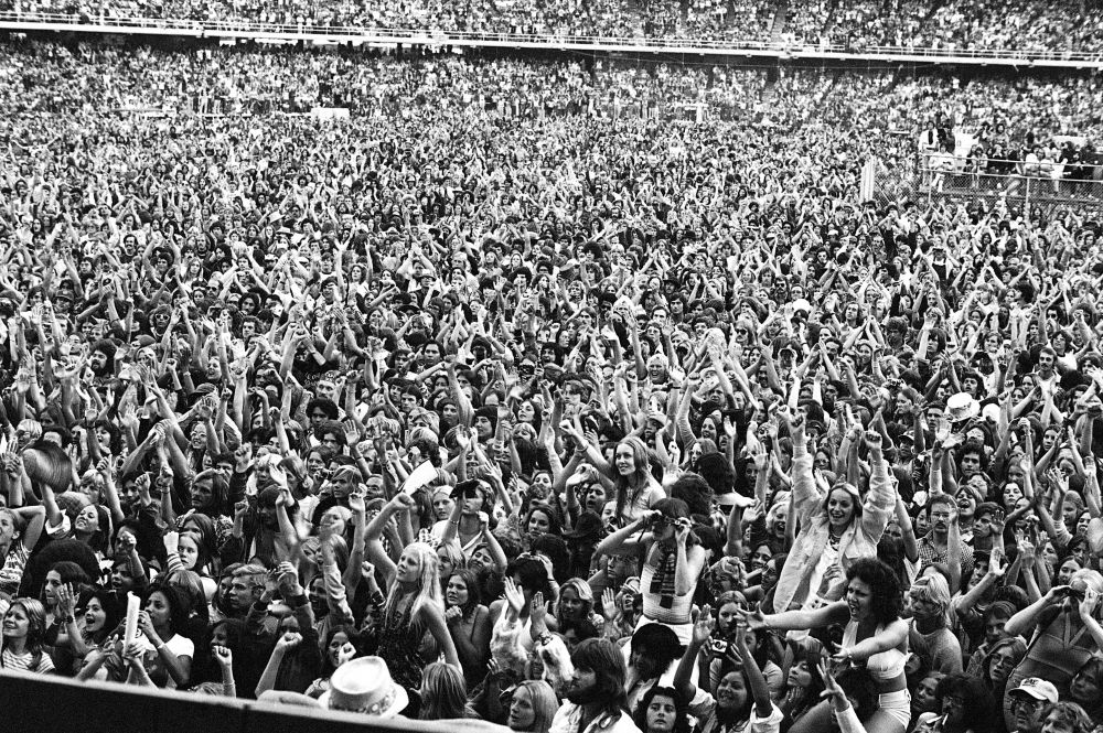 The crowd at Dodger Stadium. (Photo: Terry O'Neill)