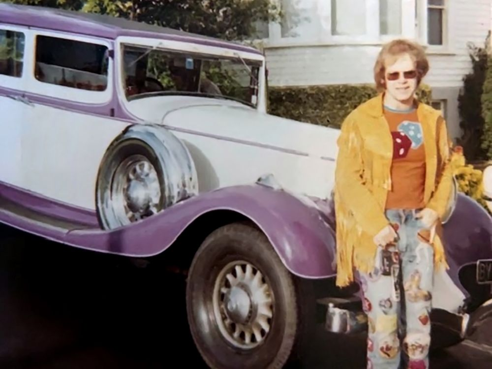 Elton was chauffered around Auckland in this purple Studebaker owned by local figure Bryan Jackson. (Photo courtesy of Ann Tait)