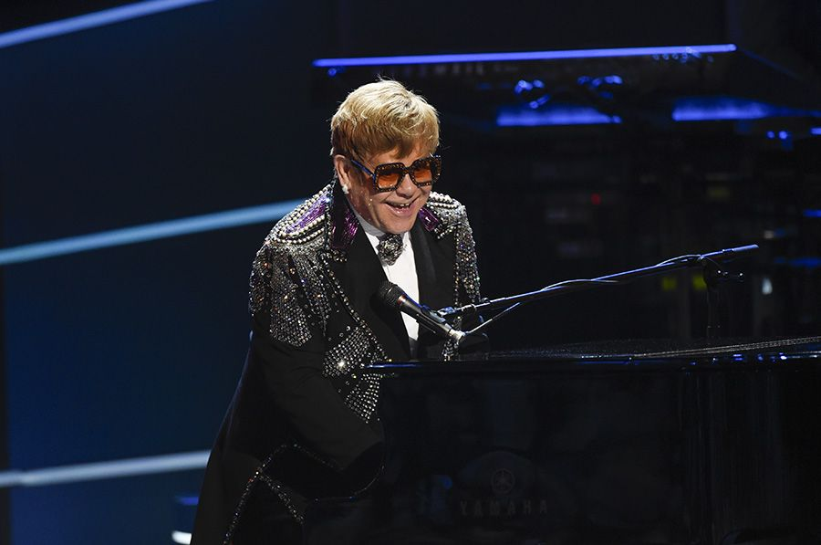 ★ Elton at the piano