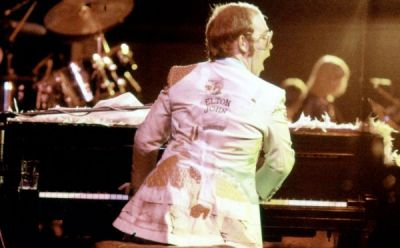 'Goodbye Yellow Brick Road' – In Concert