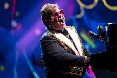 Watch: Elton's first show Down Under