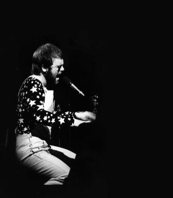 Elton's First Shows in the US - A Look Back