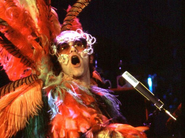Elton John Christmas Outfit.Ten Things You Didn T Know About Elton S Stage Wear Elton John